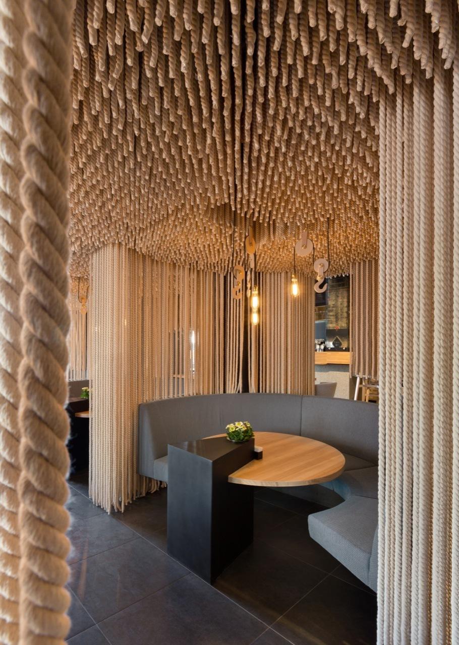 Odessa Restaurant - rope design